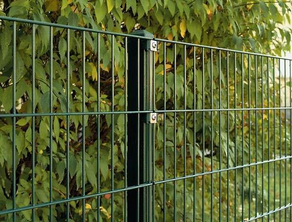 Doppelstab Mattenzaun Komplett-Set / Grün / 143cm hoch / 97,5m lang mit Abdeckleisten Stärke 6/5/6